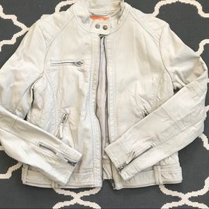 Never worn perfect condition jacket